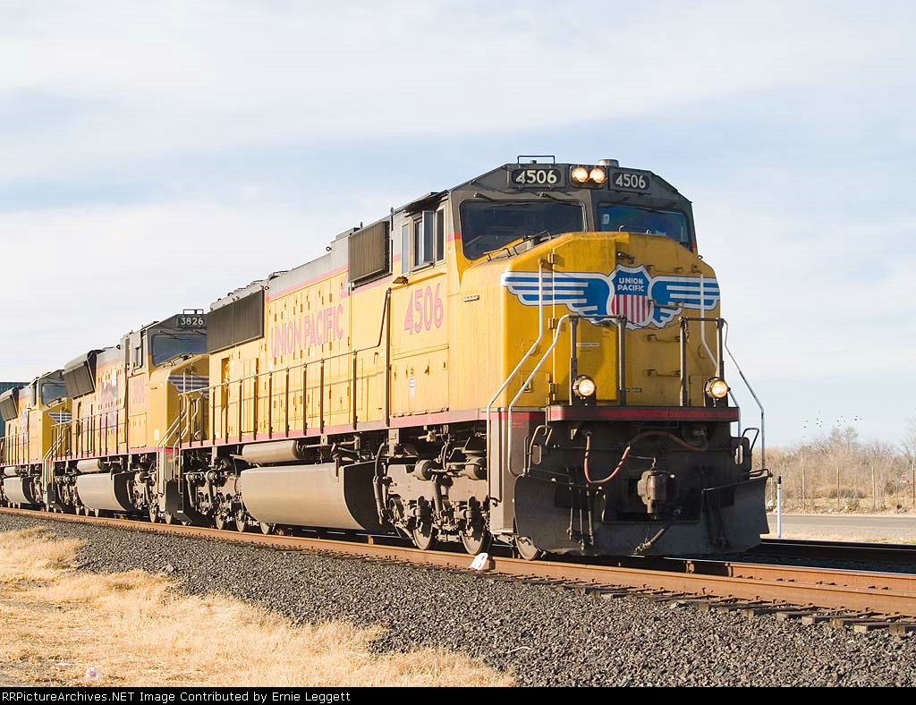 UP 4506 lead in an EB intermodal at 3:58pm