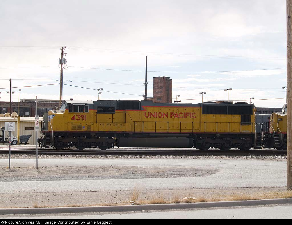 UP 4391 lead in EB manifest at 11:07am
