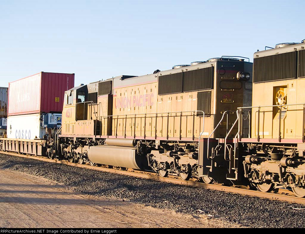 UP 4517 #5 power in EB stack at 5:17pm