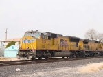UP 5175 leads an EB doublestack at 10:55am