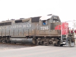 SSW 7285 leads a WB local manifest at 11:14am