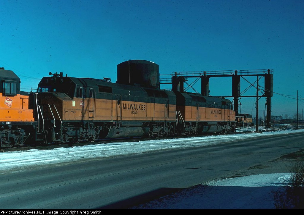 Milwaukee Road FP-45s