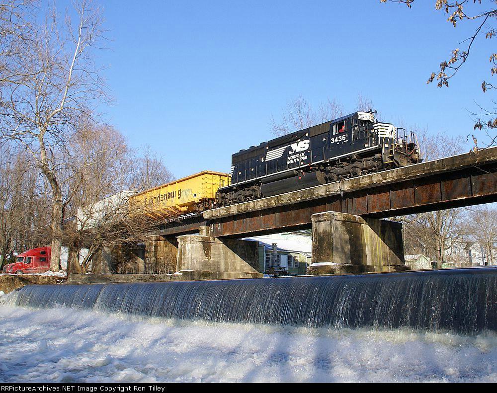 H74 crossing the Pequest River Bridge