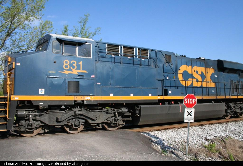 CSX 831 N143 17 SB