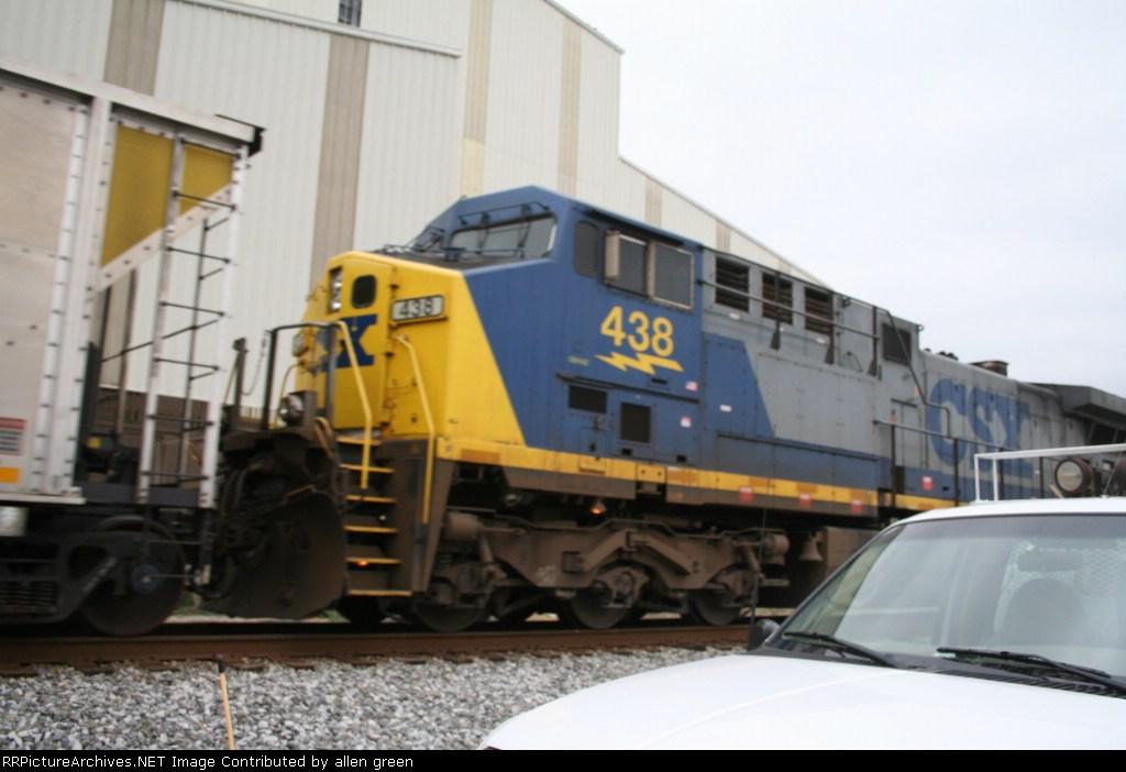CSX 438 N262 SB
