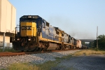 CSX 7606 Q592 nb with a friendly wave