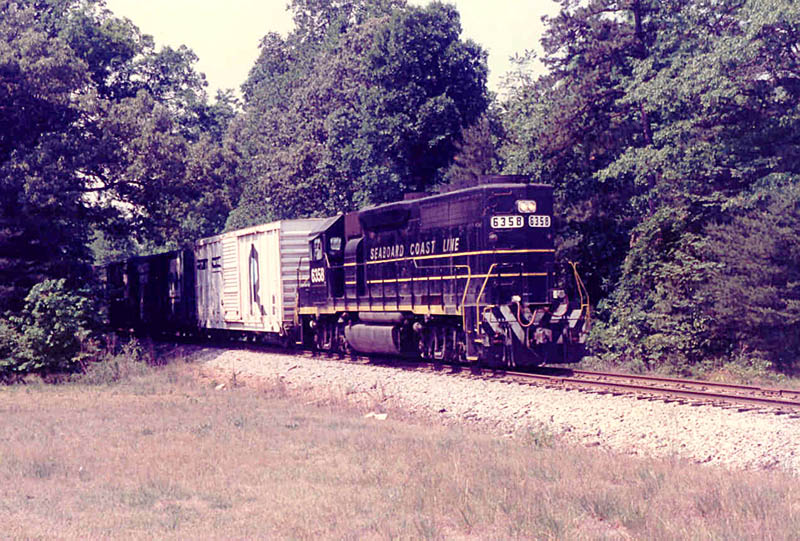 CSX 6358 in SCL Paint