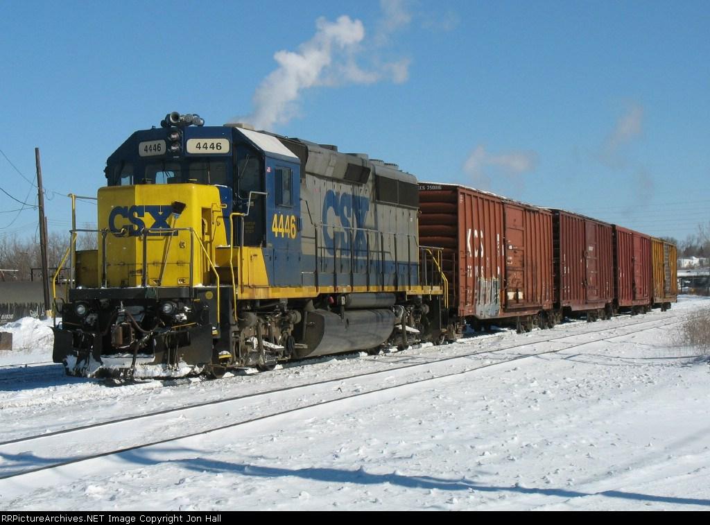 CSX 4446 bring Y106-14 into the yard