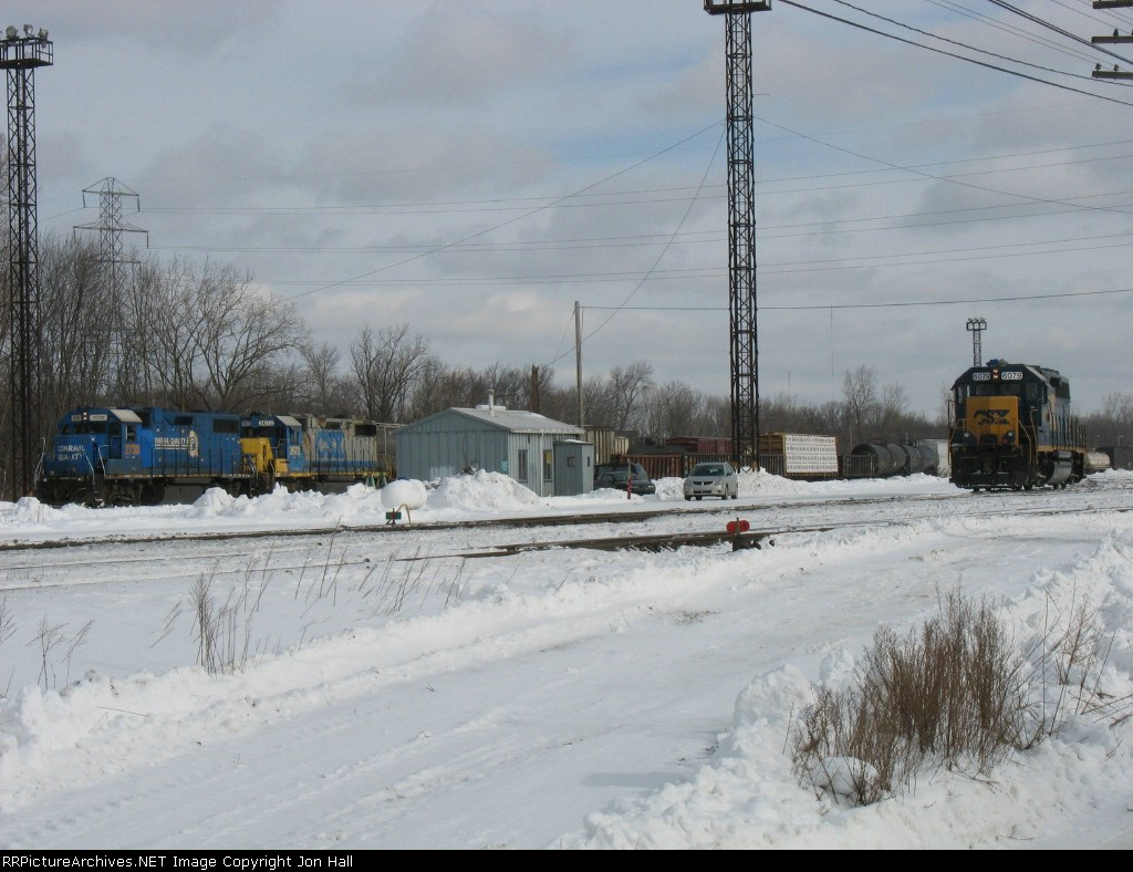 CSX 2730, 2672 & 6079 sitting at the west end