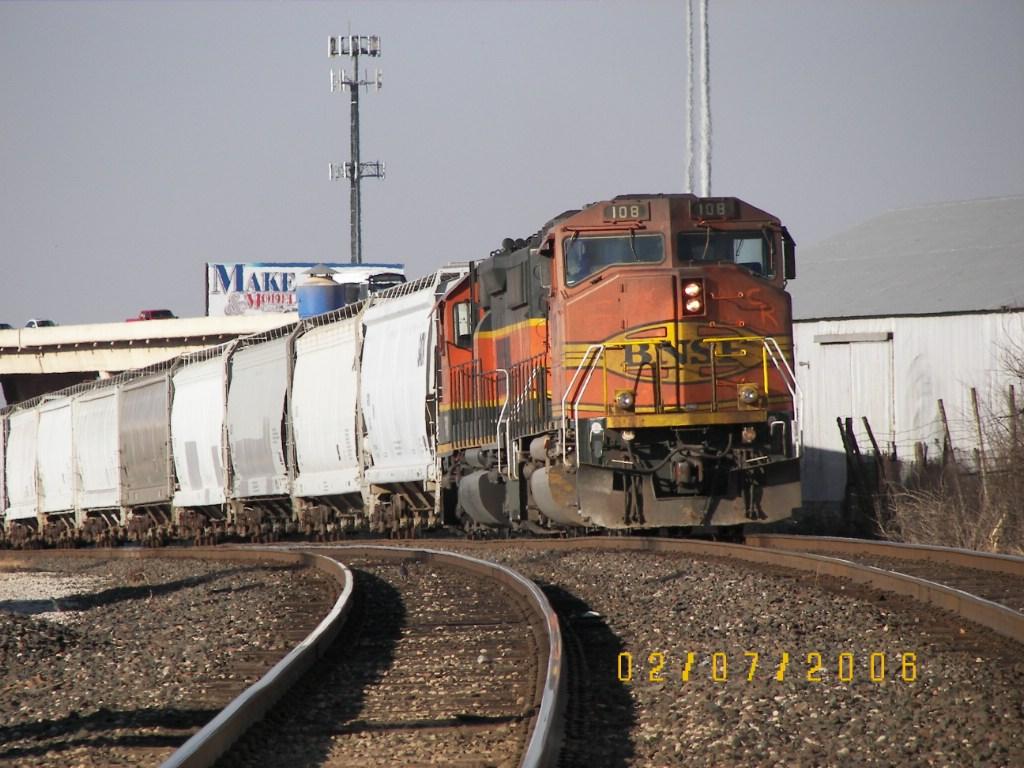 BNSF GP60M 108