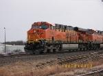 BNSF ES44DC 7643