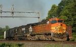 BNSF 4023 leads NS-158