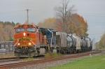BNSF 4001 on CSX Q377-25
