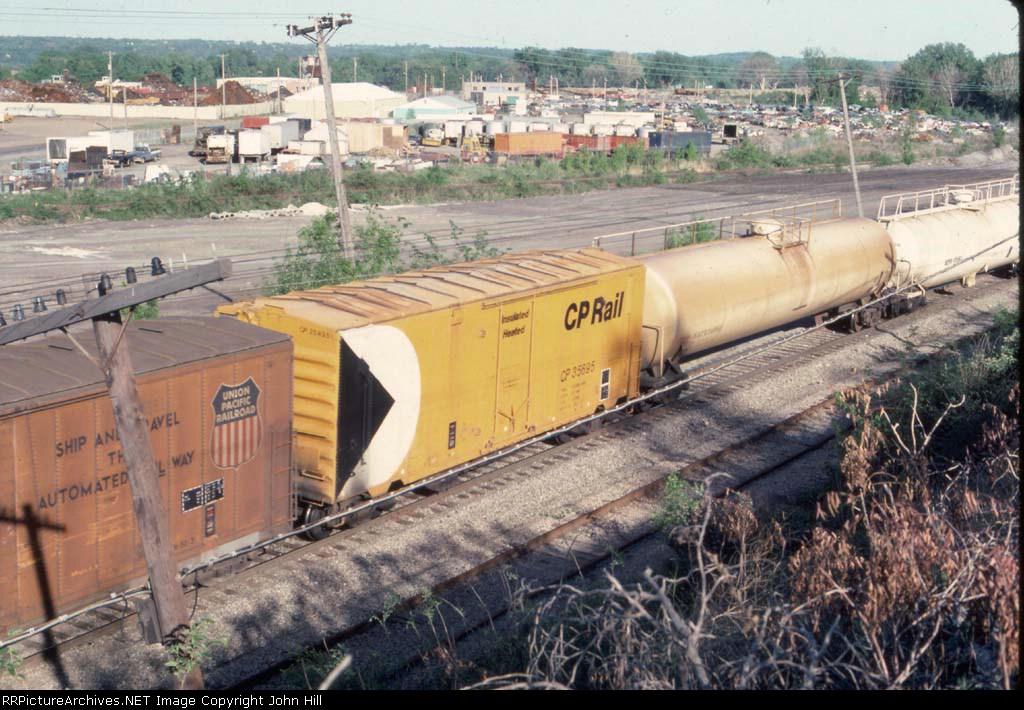 1055-24 CP 35695 on Rocky-SOO Transfer on ex-CGW south of Robert Street lift bridge