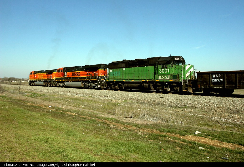 BNSF 3001, 1120, and 4918