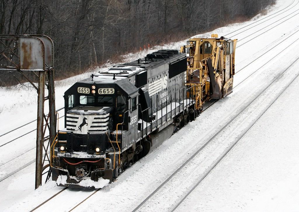 NS 6655 at the Rt. 53 bridge