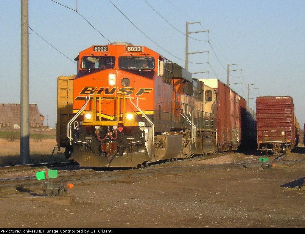 BNSF 6033 On Train LCOL6001-19I