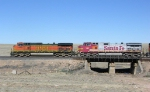 BNSF 4669  and 686