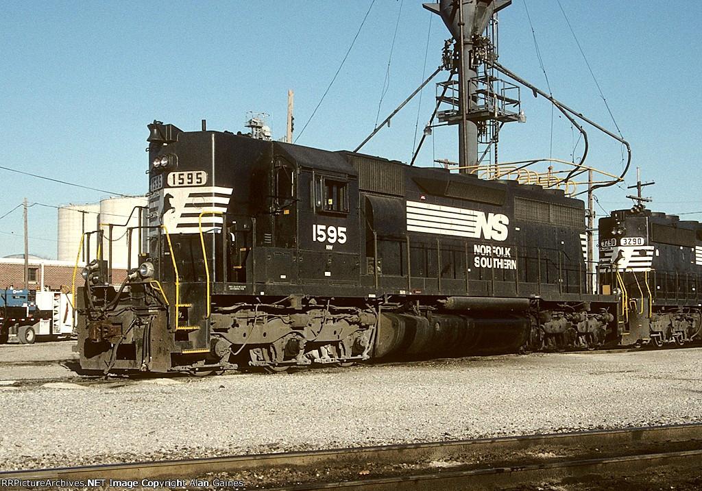 NS SD40 1595