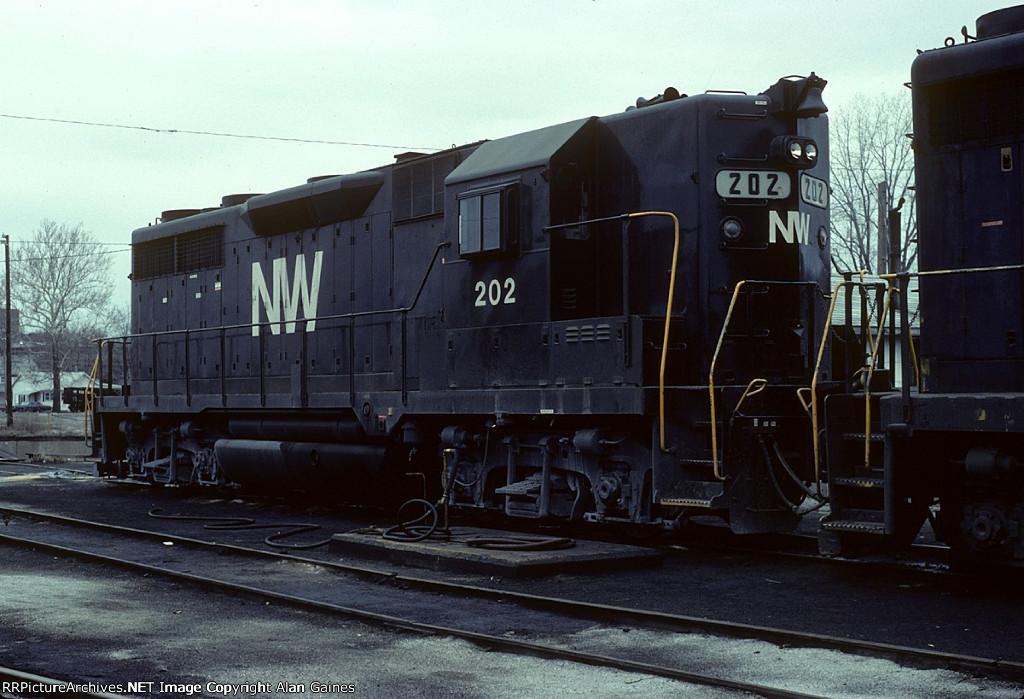 NW GP35 202