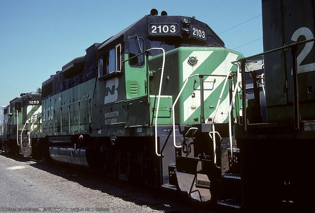 BN GP38-2 2103