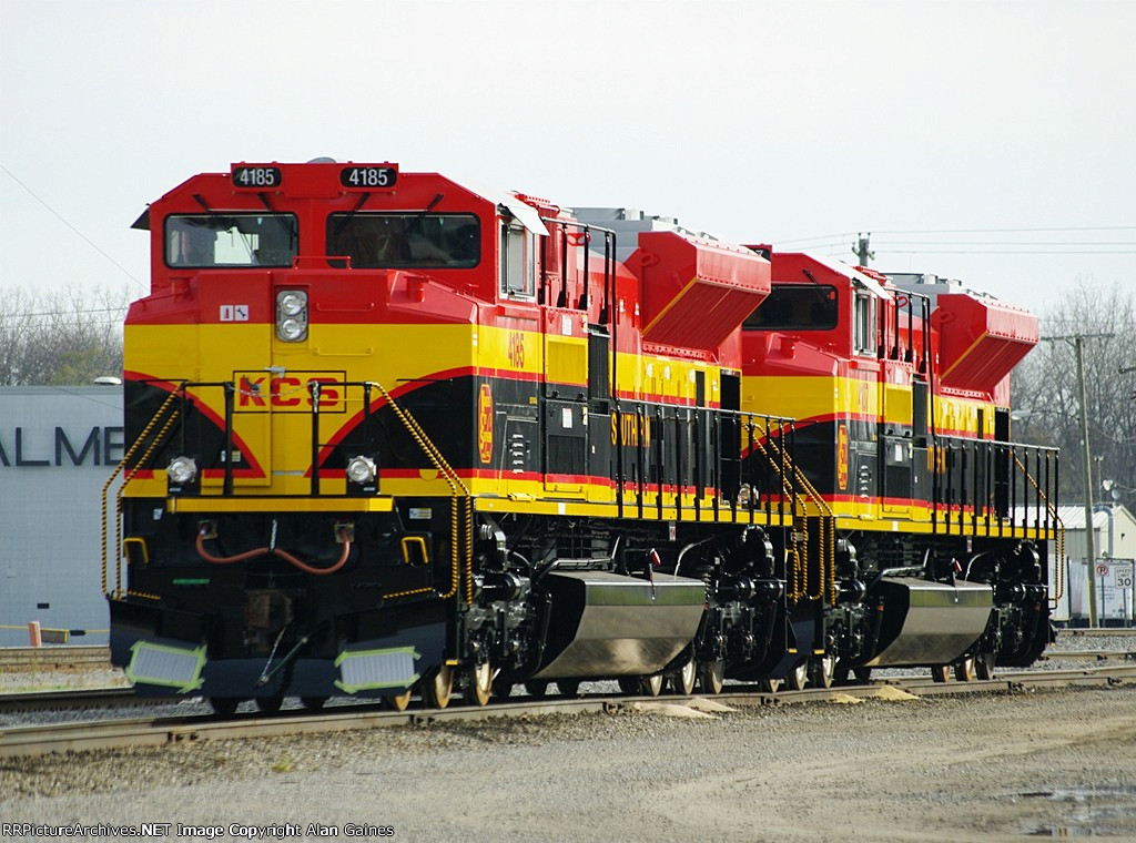 KCS SD70ACe 4185