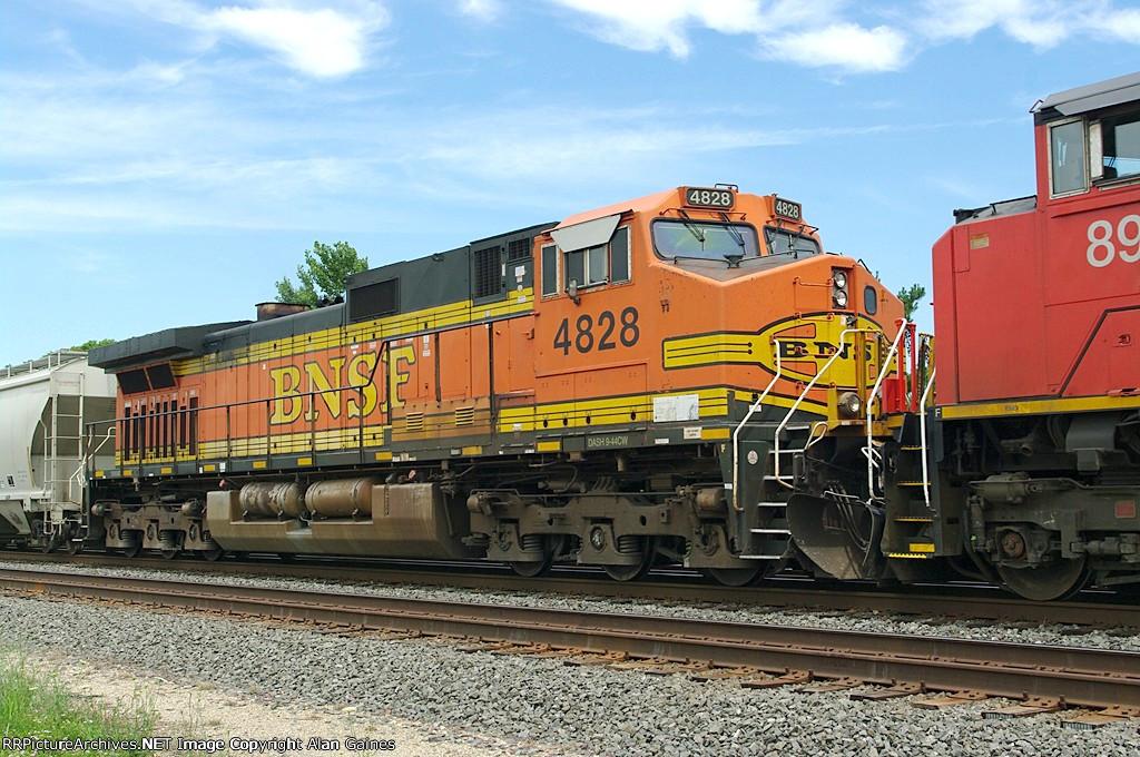 BNSF C44-9W 4828