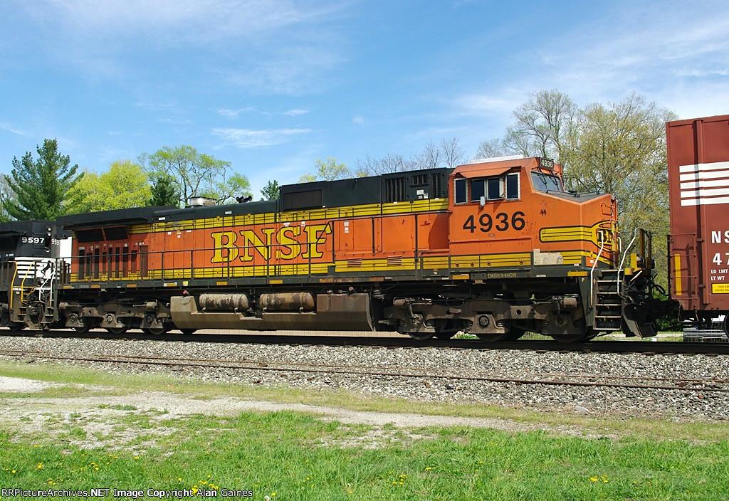 BNSF C44-9W 4936