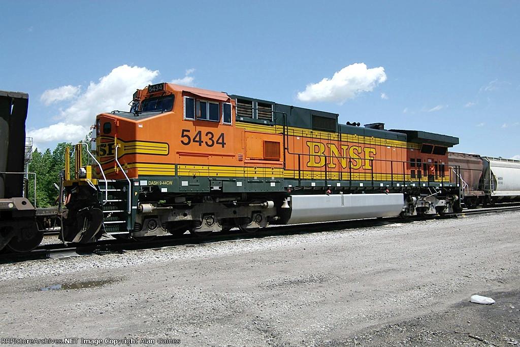 BNSF C44-9W 5434