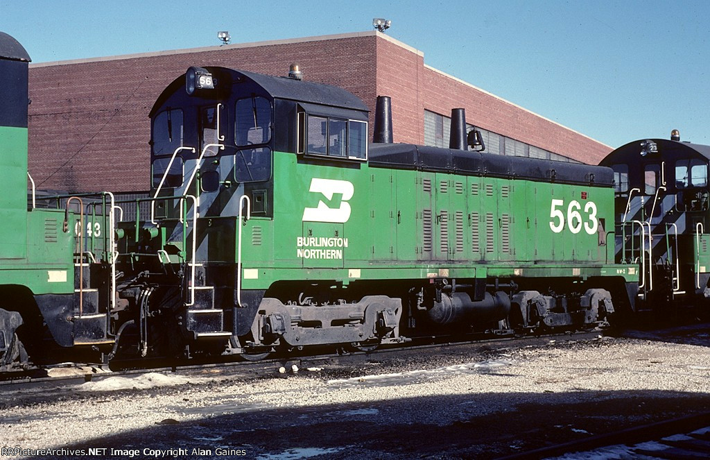 BN NW2 563
