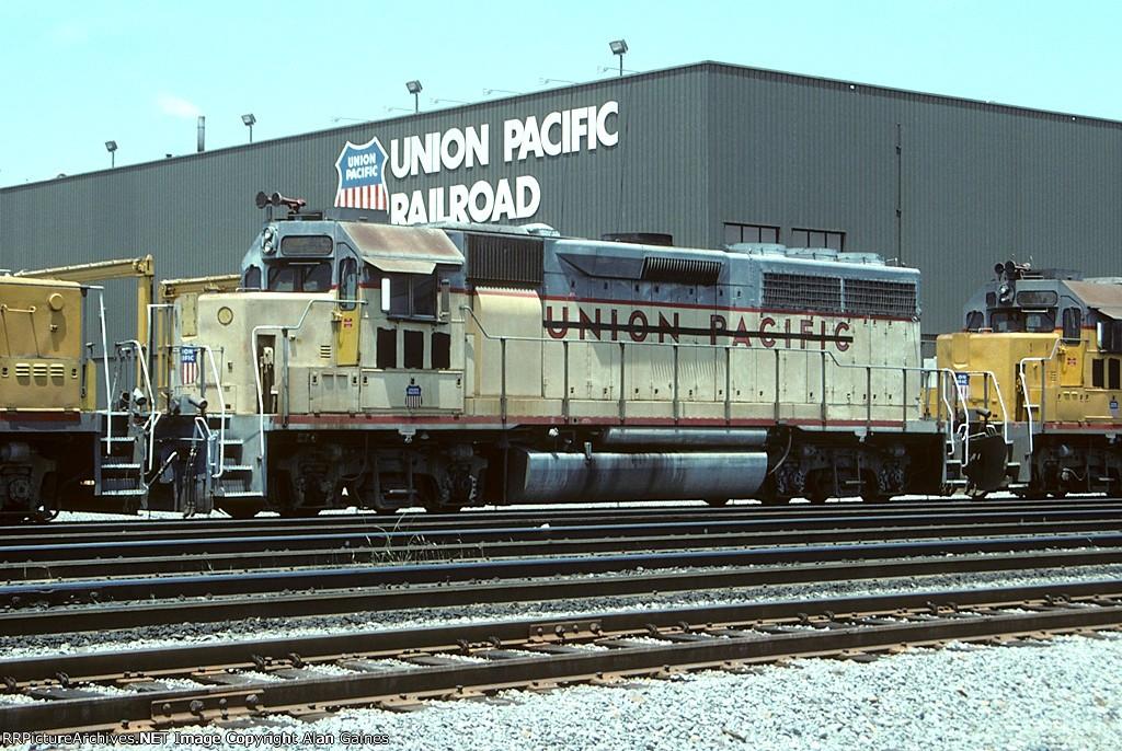 UP GP40 656