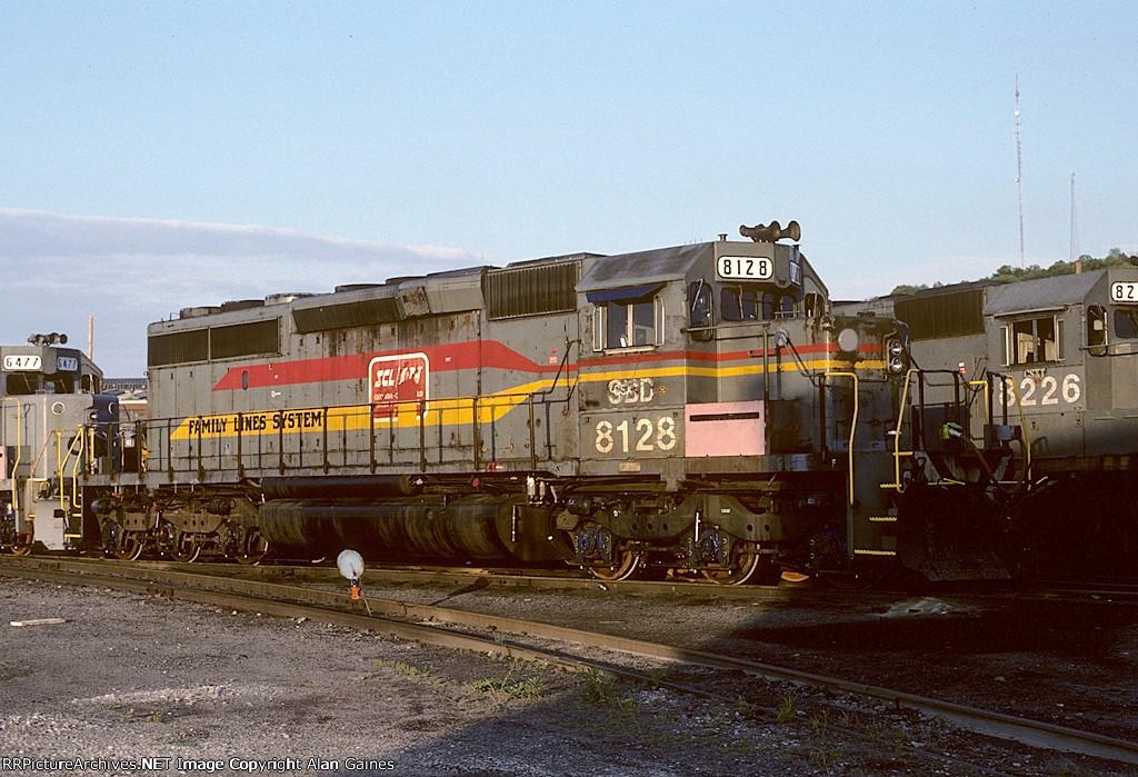 CSX SD40-2 8128