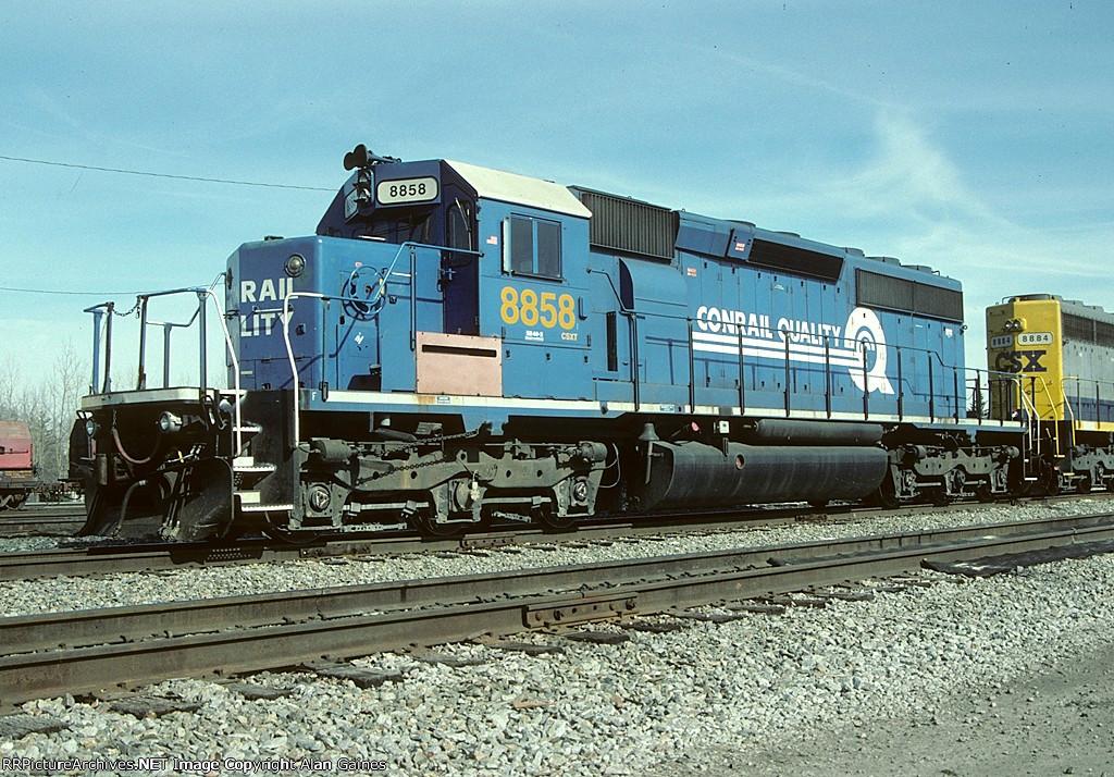 CSX SD40-2 8858