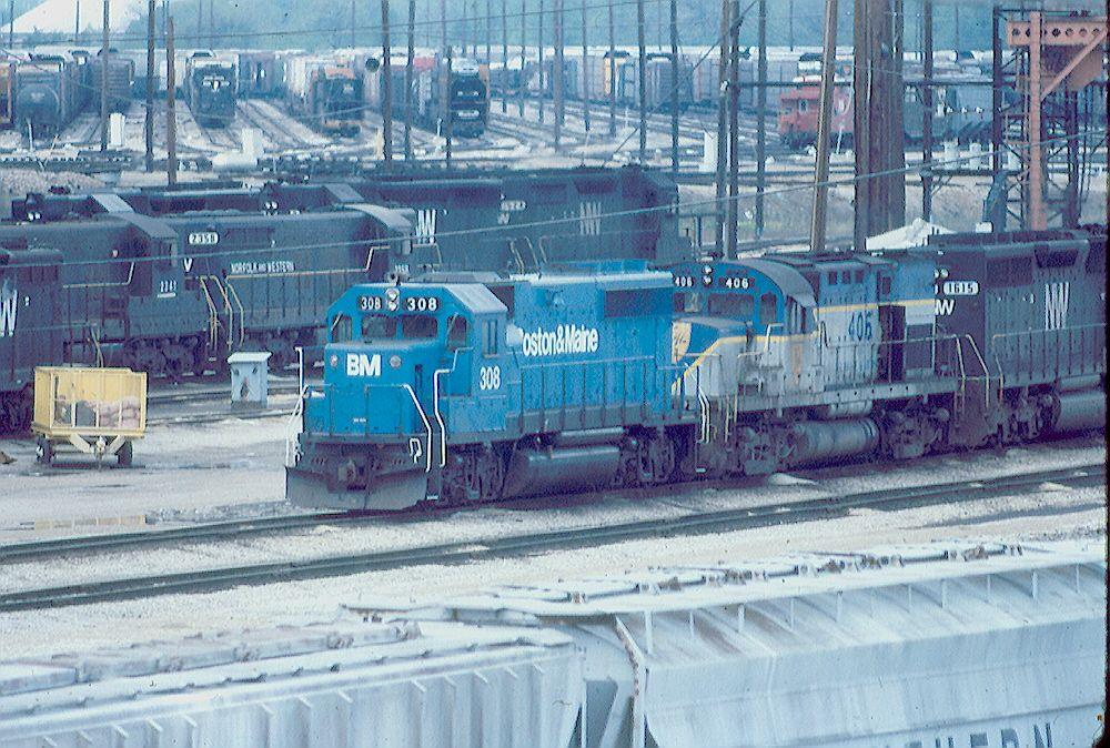 B&M GP-40-2 308