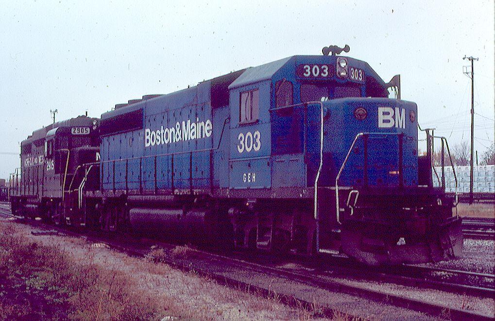 B&M GP-40-2 303