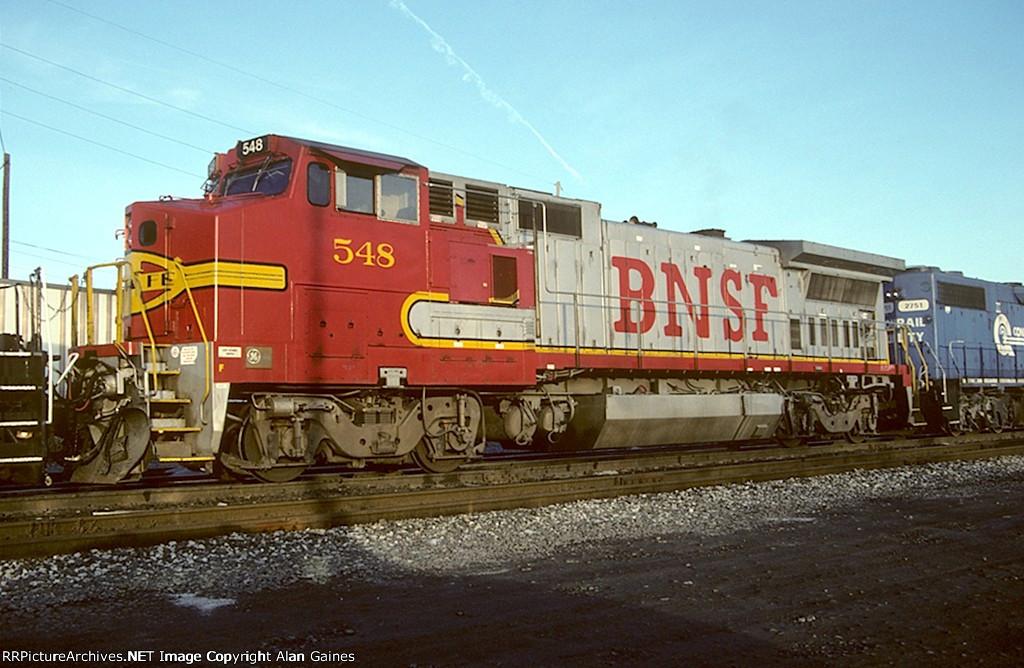 BNSF B40-8W 548