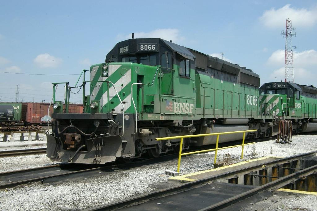 BNSF SD-40-2 8066