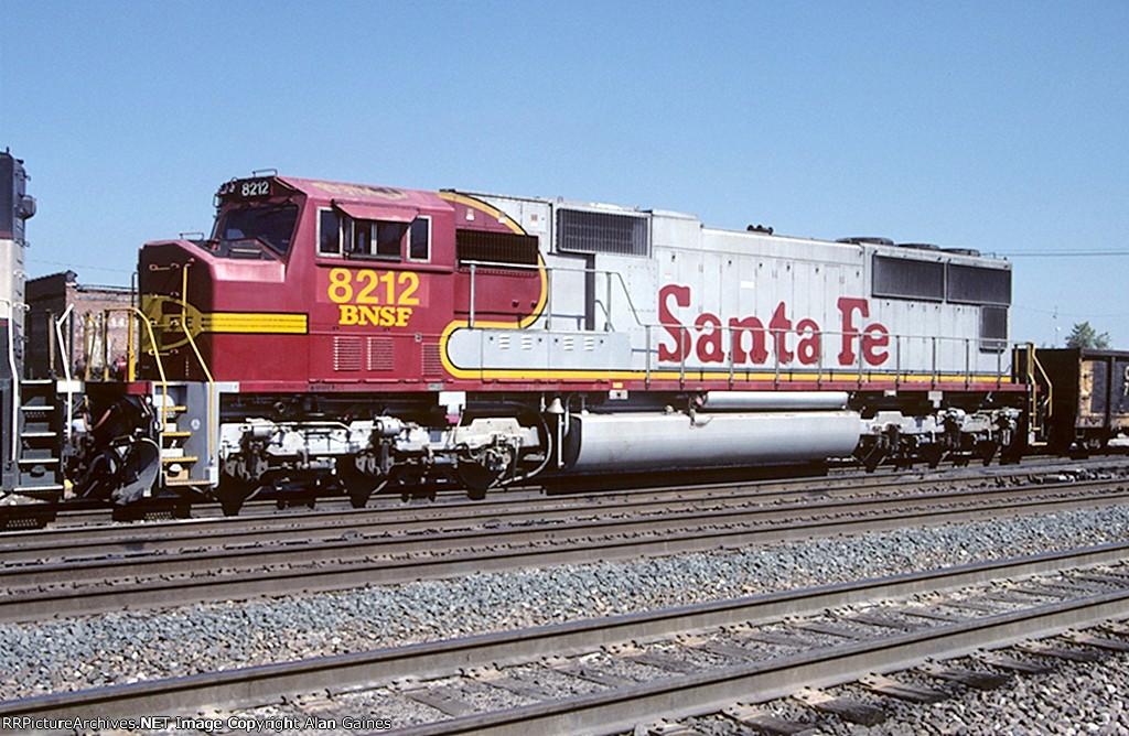 BNSF SD75m 8212