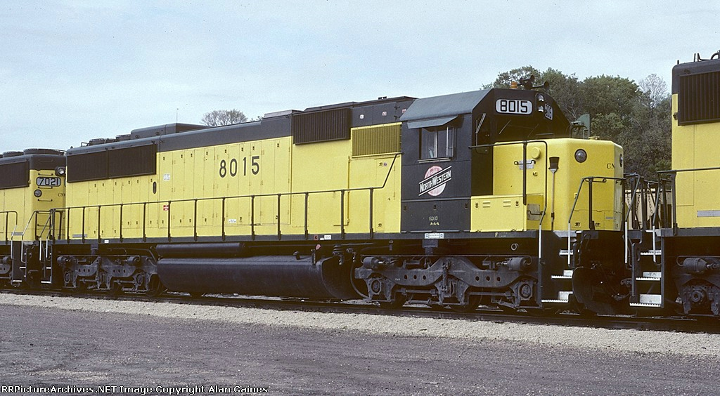 C&NW SD60 8015