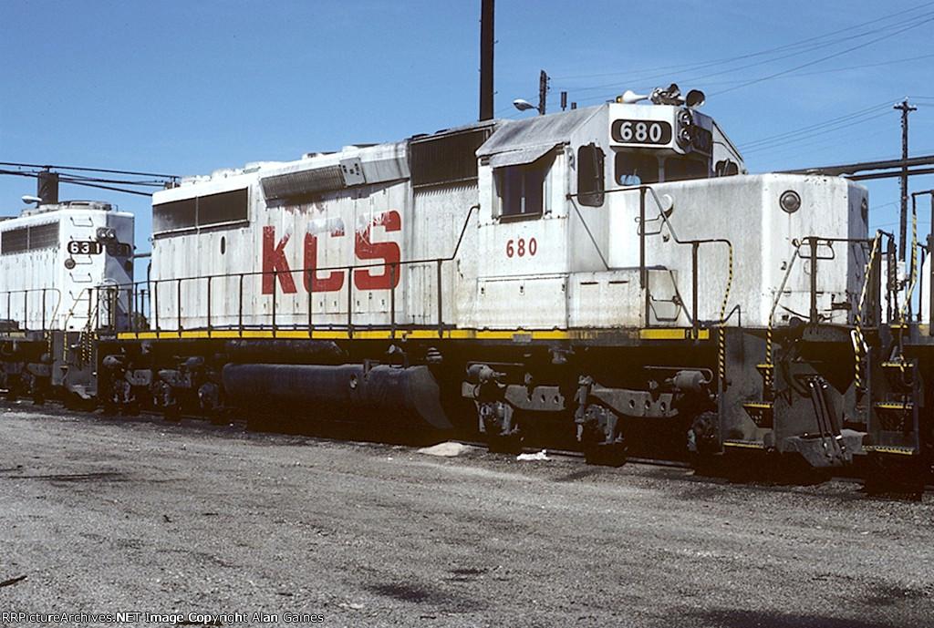KCS SD40-2 680