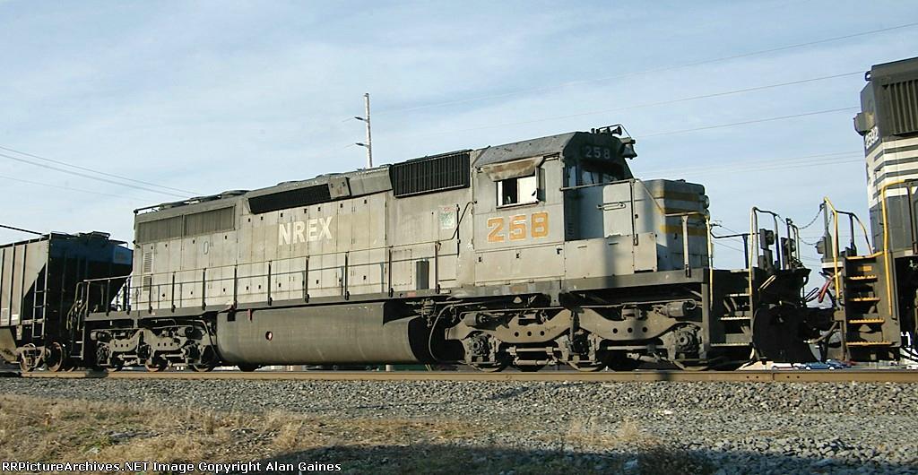 NREX SD40-2 258