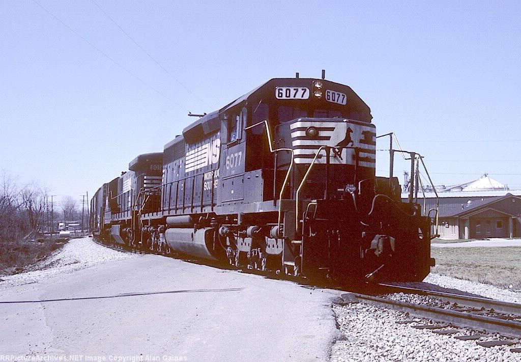 NS SD40-2 6077