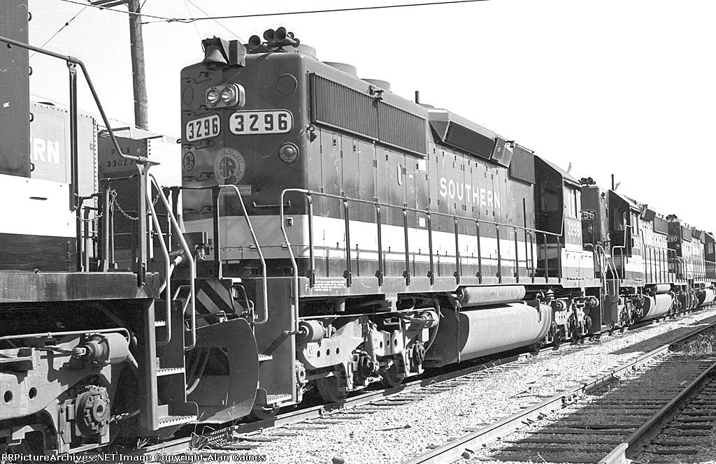 SR SD-40-2 3296