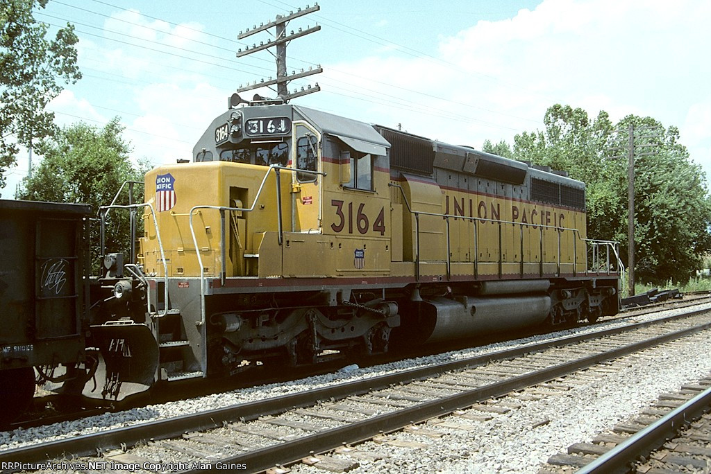 UP SD40-2 3164