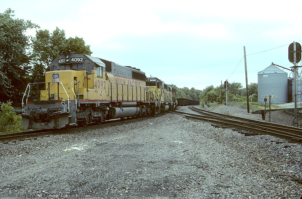 UP SD40-2 4092