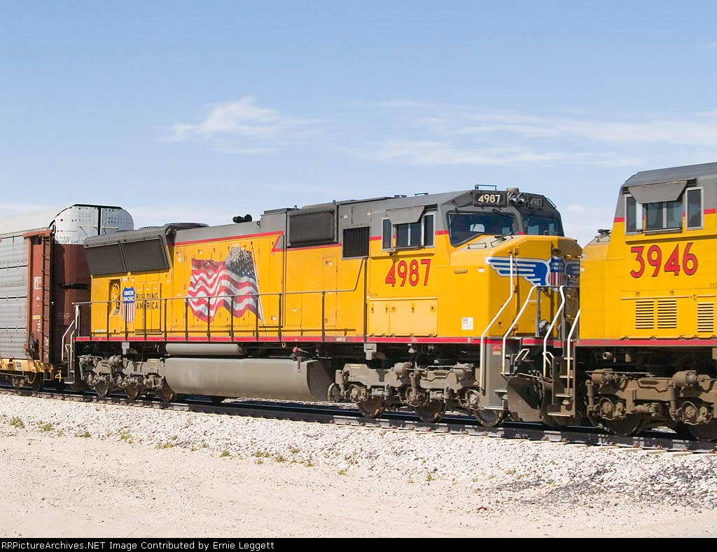 UP 4987 #3 power in an EB stack at 1:05pm