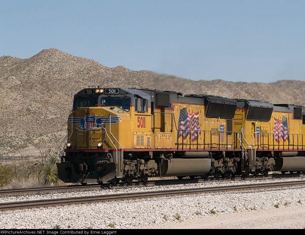 UP 5011 leads a WB manifest at 1:39pm