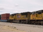 UP 3805 #4 power in an EB doublestack at 1:25pm