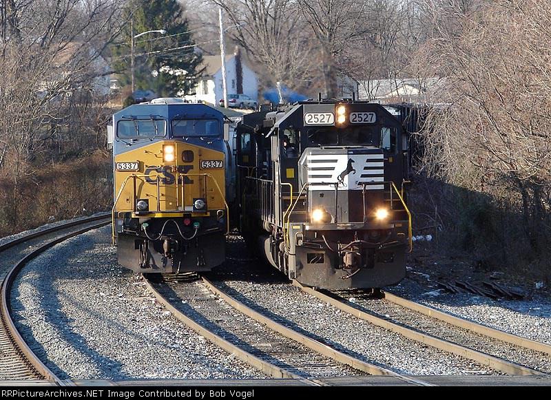 CSX 5337 & NS 2527