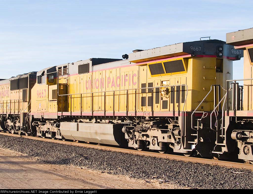 UP 9667 #3 unit in EB stack ILBNO at 5:04pm